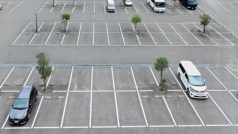 亀川夏祭りの駐車場はどこ?